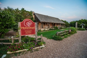 Seats available for Cafe Homestead Farm-to-Table Dinner